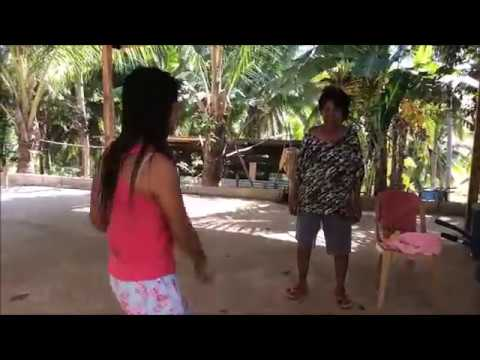 FILIPINA BEAUTY JESSICA & NANAY IN DESPACITO DANCE MOVES