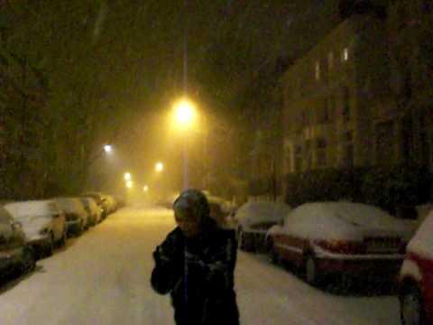 Snowing in Belsize Park / London 2009