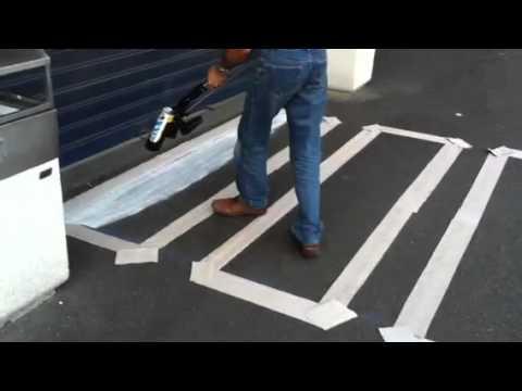 Dipingere Strisce Parcheggio : Park card a marsala tornano le macchinette strisce per