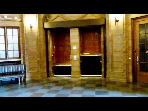 Amazing 1920 Original TITAN paternoster elevator @ Axelborg in Copenhagen