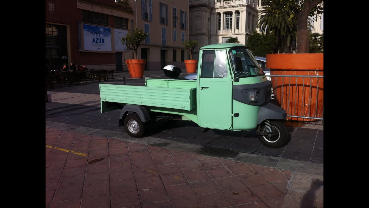 piaggio ape triporteur three wheels youtube. Black Bedroom Furniture Sets. Home Design Ideas