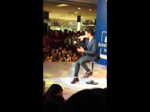Afgan - The one that got away (cover) at Grand Indonesia