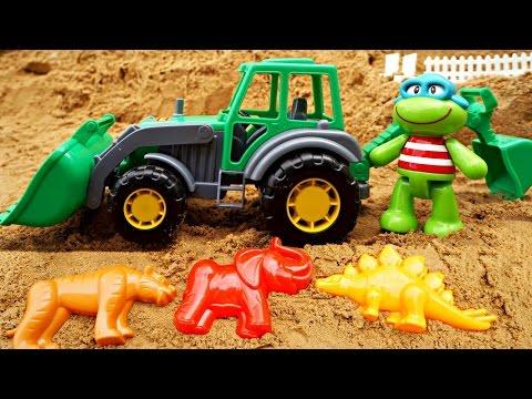 Видео для детей. Лепим куличики  с Лягушонком и экскаватором! Игры в песочнице.