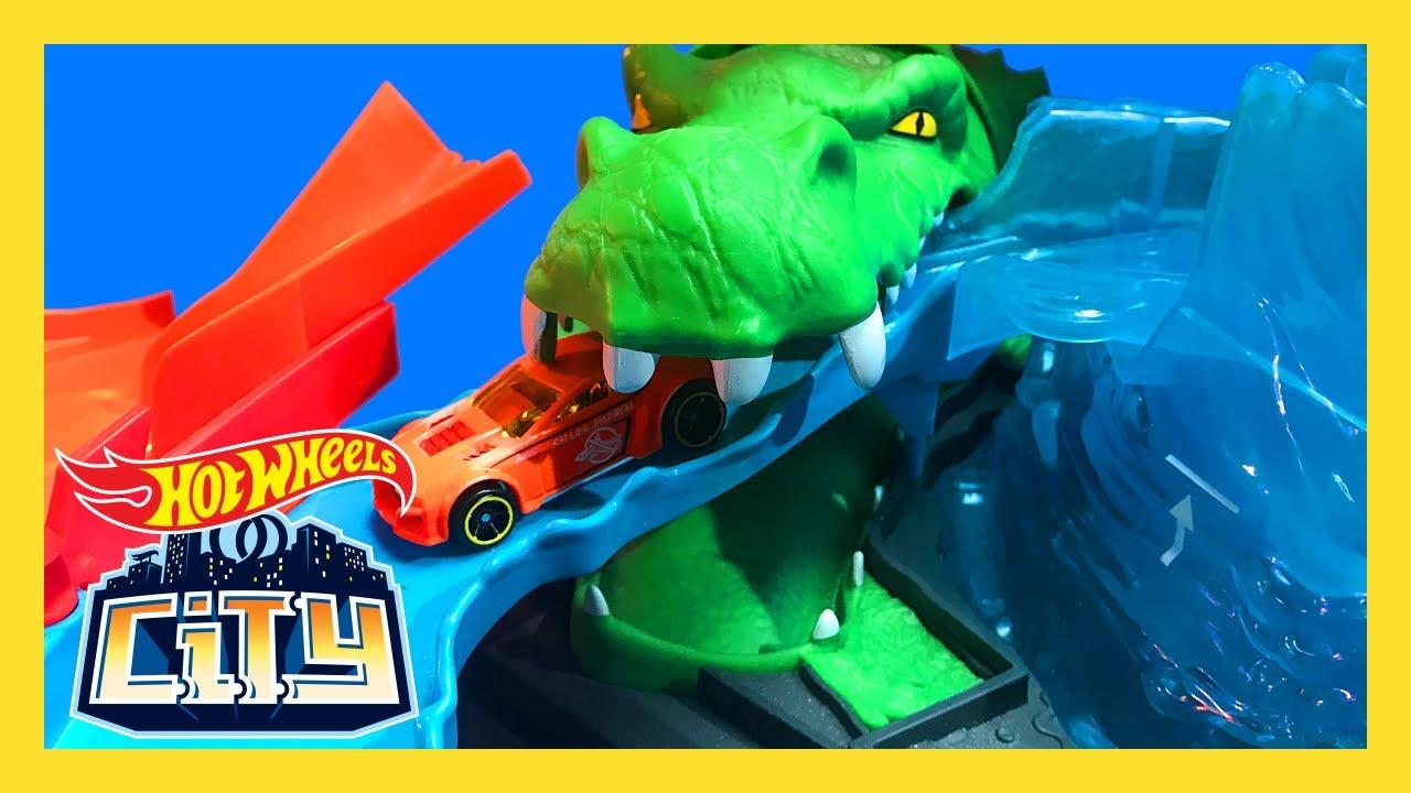 Color Shifting Cars At The Gator Car Wash Hot Wheels City Hot