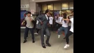 Rajinikanth mashup dance by Malaysian fans and  Rajni intro