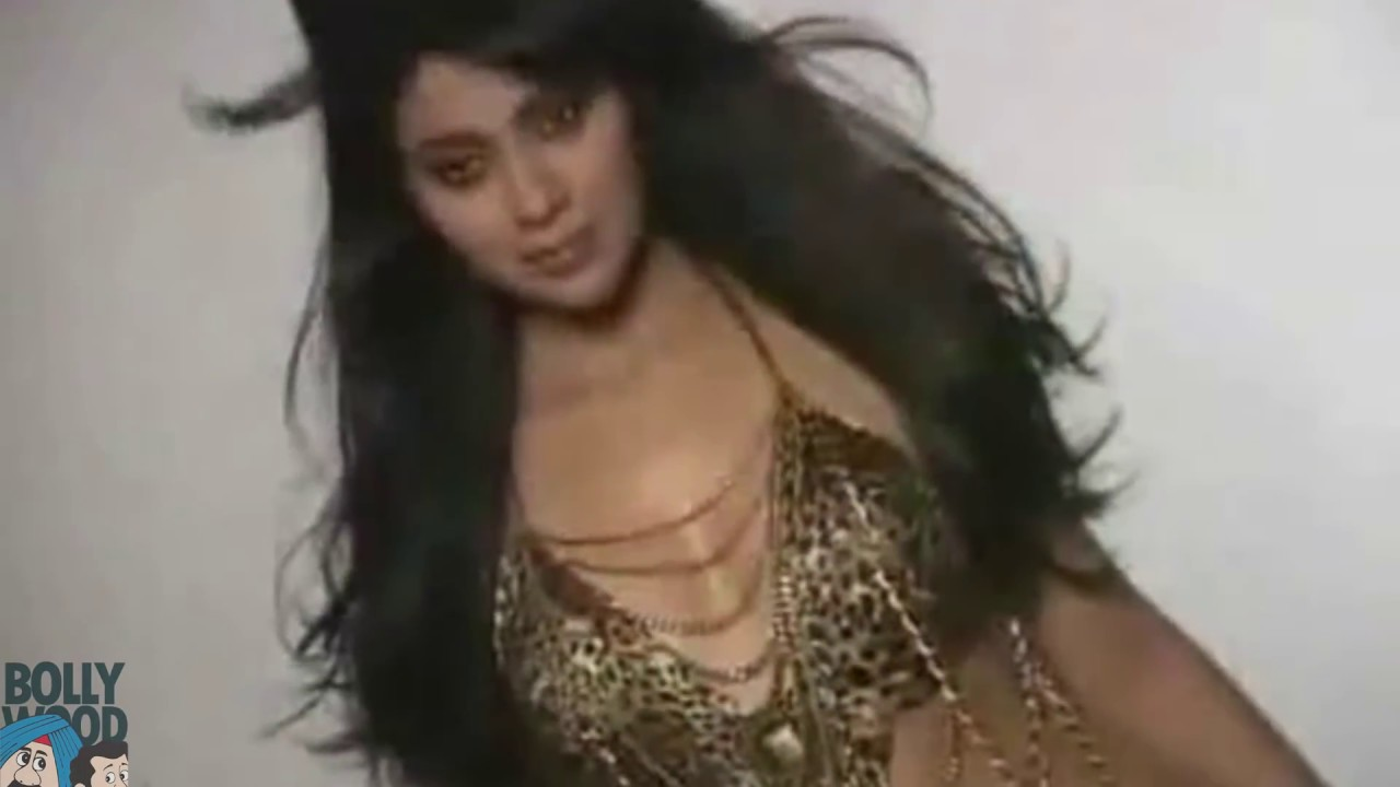 Download Shriya Saran HOT Bikini Photoshoot I Santa Banta Bollywood