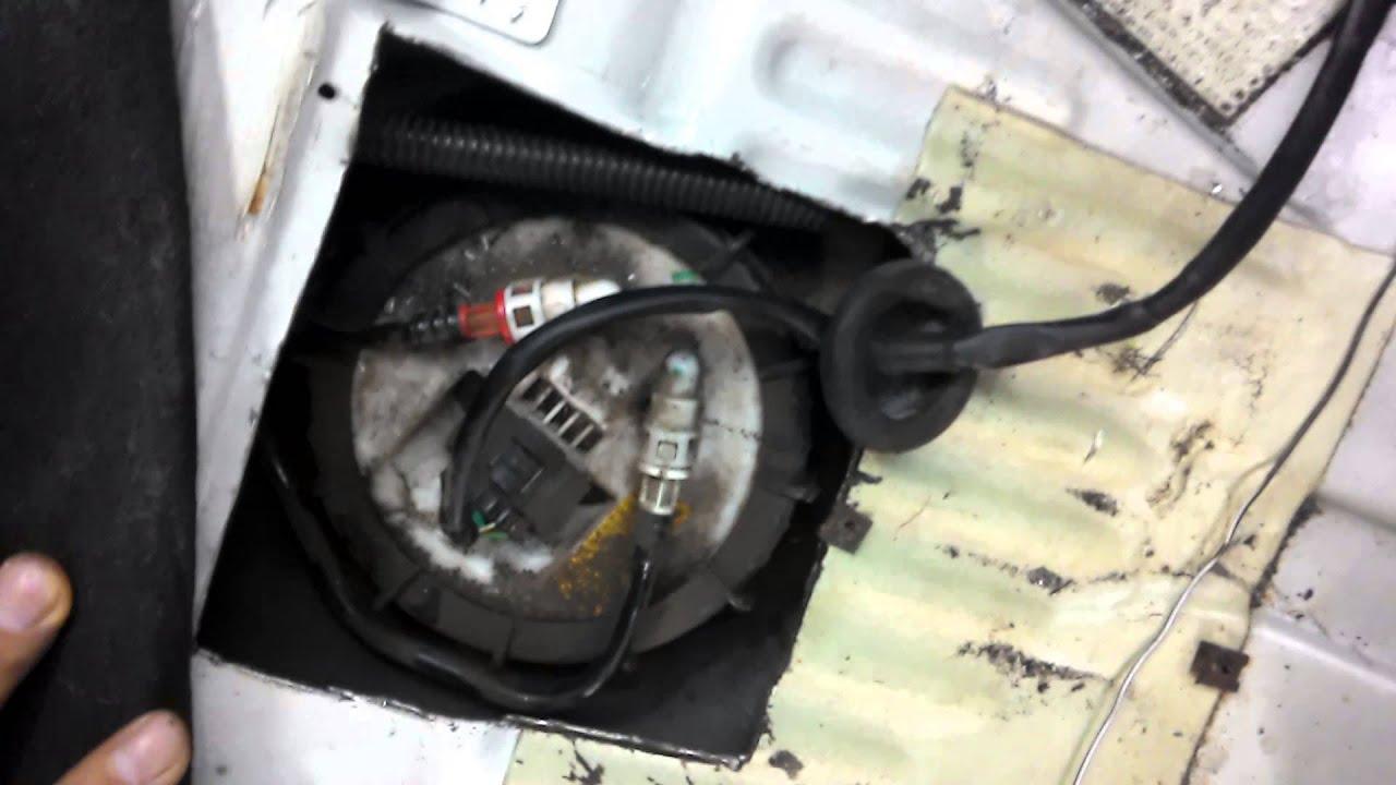 Как открыть крышку бензобака форд фокус 1