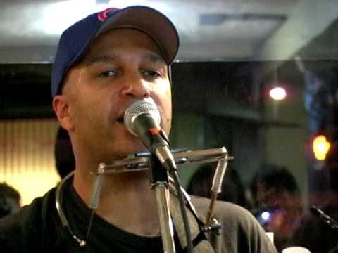 Tom Morello - Guerilla Radio (Acoustic)