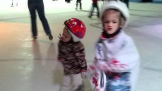DEUBLERS KIDS 2 ICE SHOW3.MOV Erik 2 y.o  Alex 5 y.o