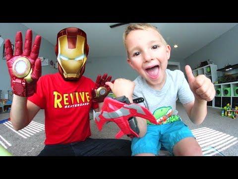 FATHER SON SUPER HERO BATTLE! Epic Toys!