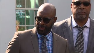 Gambar cover Raw Video: 49ers Legend Jerry Rice On Presidential Pardon Of Eddie DeBartolo Jr.