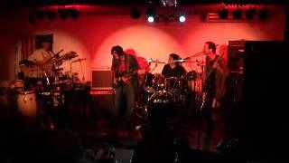 今はなき高知市にあった「アンクルハリーの家」でのライブ http://tonn5...