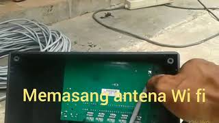 Memasang antena Wi fi diketinggian 24m