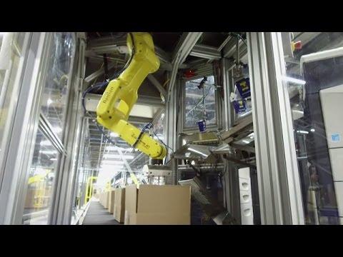 Hudson's Bay warehouse run by robots!