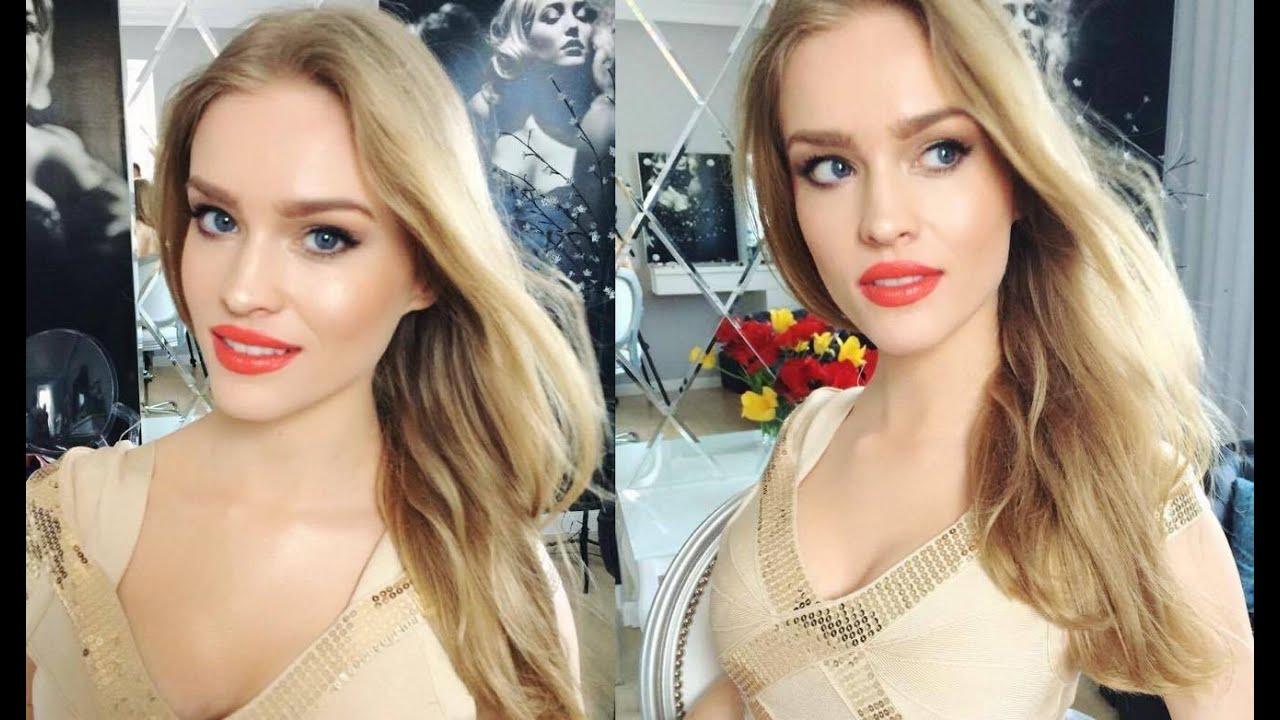 Delikatne Oko Wyraziste Usta Makijaż Dla Blondynki Na Każdą