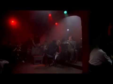 """Maciej Kossowski  -  """"Taka mgła"""" (tańczy Audrey Hepburn)"""