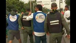 Miembros de la guardia venezolana cruzan la frontera para apoyar ingreso de ayudas humanitarias
