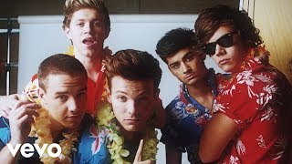 Repeat youtube video One Direction - Kiss You (Official)