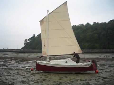 Reduction system for a lug sail