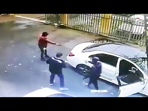 Armed men rob