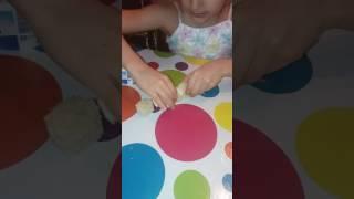 Как сделать салат гусеница детям своими руками.