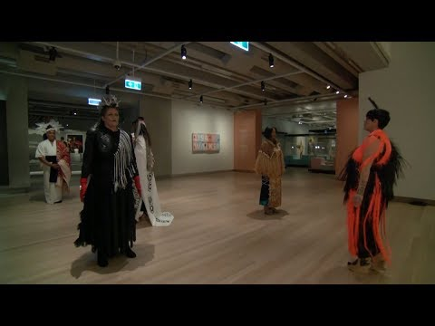 Jacinda Ardern and Pacific Sisters open Toi Art
