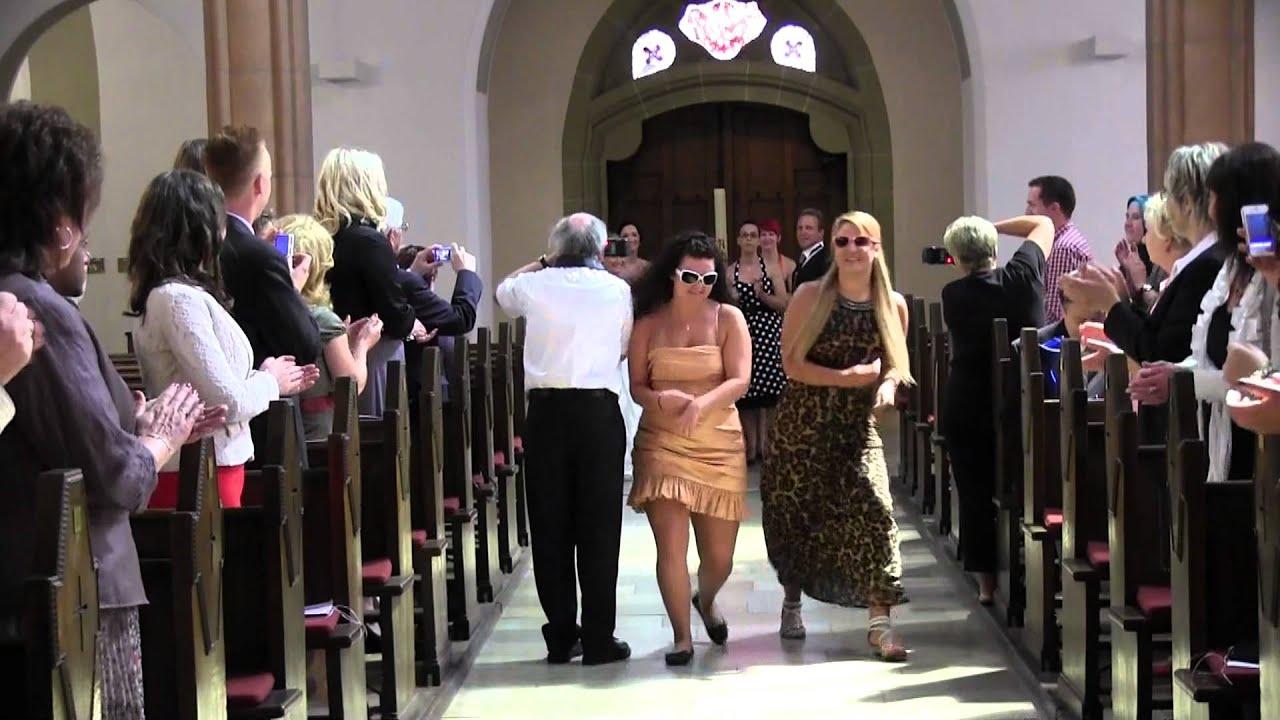 Besonderer Einzug in die Kirche YouTube