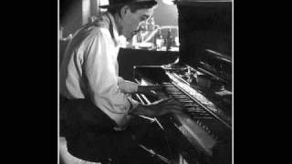 Hoagy Carmichael - The Darktown Strutter