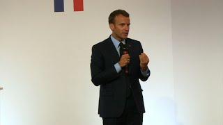 Banlieues: Macron ironise et annonce une série de mesures