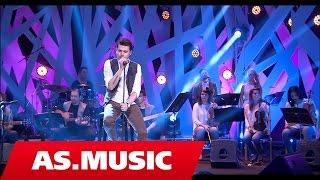 "Alban Skenderaj - Eklips - ""Tingujt E Ditarit Tim"" ( Live Acoustic )"