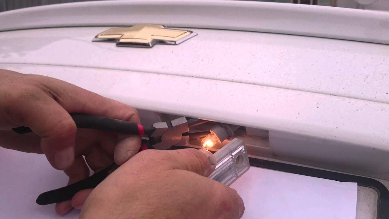 chevrolet aveo 2012 поменять лампочку