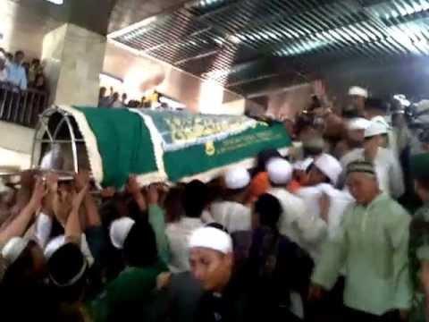 (merinding) kedatangan jenazah ustad jefri al bukhori di masjid istiqlal