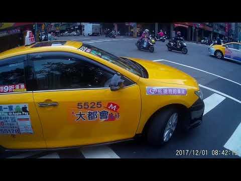 12 01 職業駕駛展現高難度駕駛技術