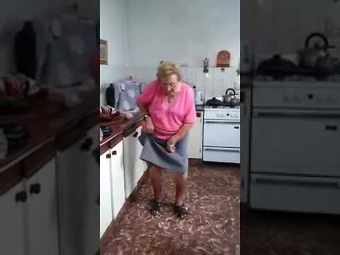 Chispita, la abuela cumbiera - YouTube