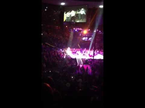 Troubadour live George Strait