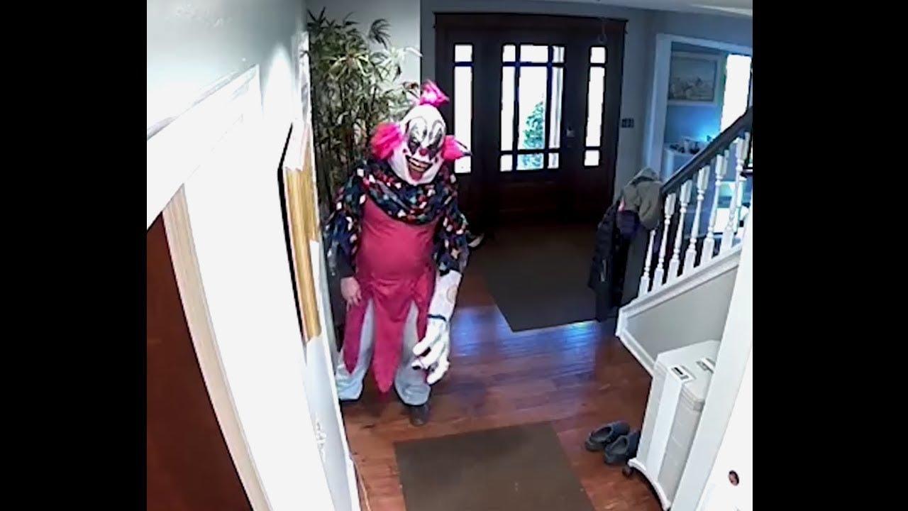 Straszny klaun w ama si do mojego domu i chcia mnie for 0 down homes