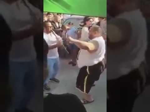 مووووت ضحك     سمين يرقص أروع رقصة في الكووووون   وهران الجزائر  هههههههه thumbnail
