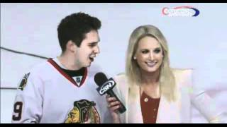 Fan Flirts With Reporter Live Awkward Moment (Original) thumbnail