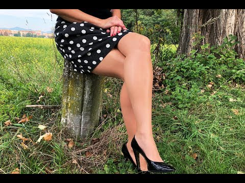 Beautiful Upskirt Lady 👗 in Stockings and Heels thumbnail