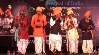 Musical show by Indian folk musicians : chimta, been, bamboo flute
