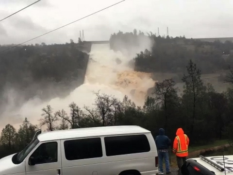 200-Foot-Long Hole in Damaged Calif. Dam