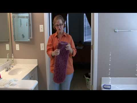 Bathroom Cleaning Tips : How to Clean a Bath Mat