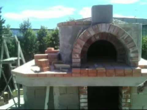 Costruzione forno a legna e barbecue youtube for Spartifiamma forno a legna