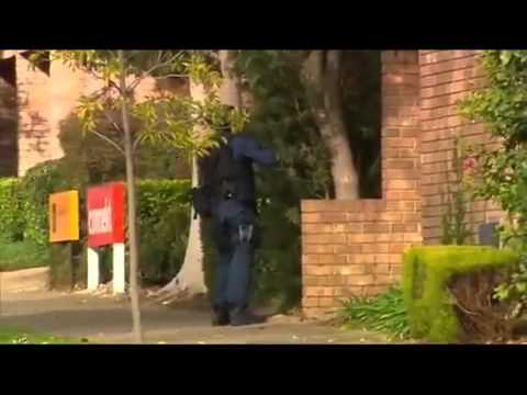 Shots fired as tactical police storm building in Adelaide   Daily Mail Online 1418450360 42940135060