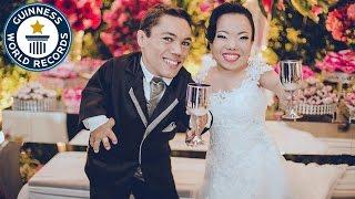 بالفيديو...تعرف على أقصر عروسين في العالم