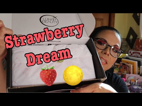 Strawberry Dream Collection - Manny Mua - First Impression and Swatches thumbnail