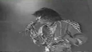 Женя Белоусов - Маленькая лгунья (клип 1)