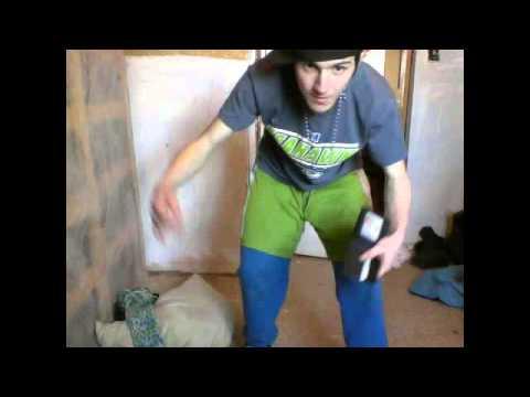 DJ BASS DANCING TO THRIFT SHOP BREAK DANCE VIDEO #2