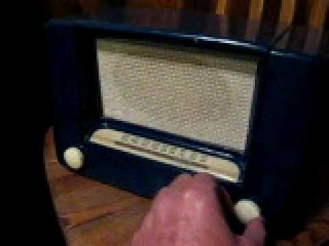 Wards Airline Radio on Ebay.......toddjlyons