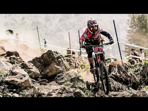 Tracey and Mick Hannah Talk Racing in Cairns: MTB World Cup 2016